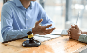 How to Choose a Legal Advisor for Your Business